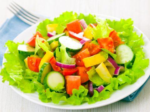 Cứu tinh cho bạn gái thừa cân: Làm salad rau giảm cân sử dụng rau gì?