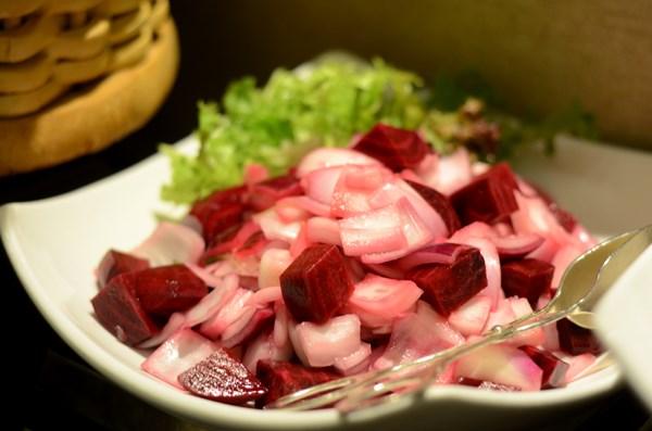 Bí quyết tạo nên món salad ngon bằng chọn những loại rau làm salad này