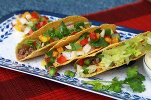 cach lam salad thit bo kep banh tacos