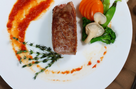 Công thức làm món thăn bò sốt lá xạ hương chuẩn hương vị nhà hàng
