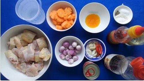cách làm cá mòi kho với thịt gà