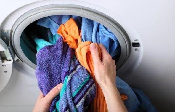 Những mẹo giúp bảo quản quần áo trong ngày mưa ẩm thấp