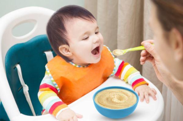 Thức ăn và đồ uống cho trẻ từ 6 đến 24 tháng tuổi