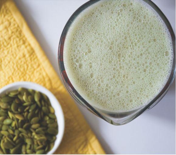 Cách làm sữa hạt bí xanh đơn giản tại nhà dành cho chị em nội trợ