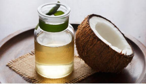 Hướng dẫn cách sử dụng dầu dừa dưỡng mi hiệu quả tại nhà.
